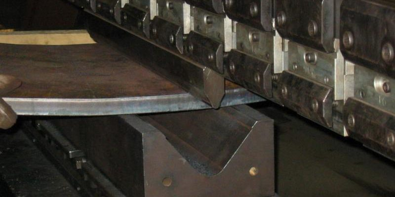 taglio-e-piegatura-lamiere-10-800x400